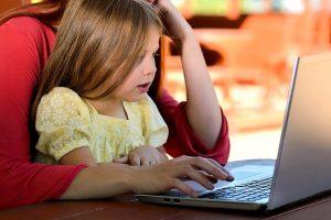 perhe-tietokoneella